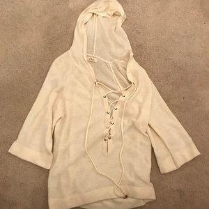 elan white laced sweater with hood